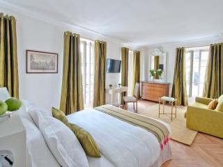 Palais Royal Room at My Home For You B&B - Paris vacation rentals