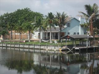 Relax at my pool home and watch the boats go by - Boynton Beach vacation rentals