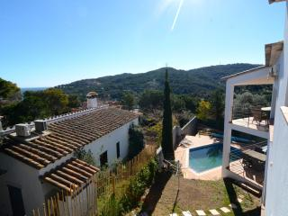 Cozy 3 bedroom Begur House with Television - Begur vacation rentals