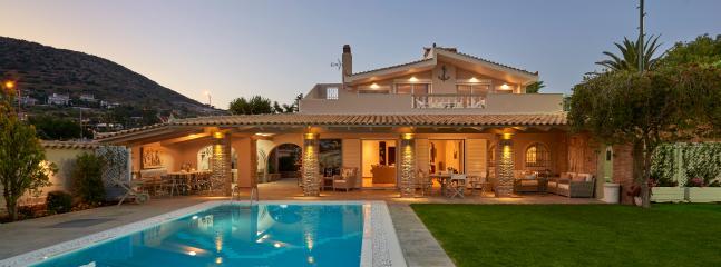 Villa Pvt Pool 50m from the beach - Kalyvia Thorikou vacation rentals