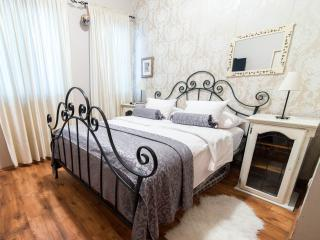 maggie garden apartment - Split vacation rentals