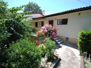 Apt. DEKA for 2-4 persons - few steps from the sea - Njivice vacation rentals