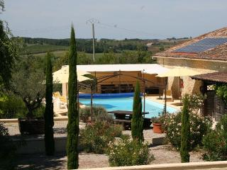 3 cottages, heated pool & Jacuzzi in Montastruc - Tombeboeuf vacation rentals