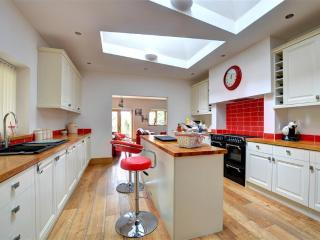 Perfect 6 bedroom Merthyr Vale Cottage with Internet Access - Merthyr Vale vacation rentals