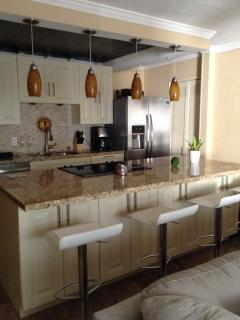 Lovely Renovated 2 Bedroom Condo - Christiansted vacation rentals