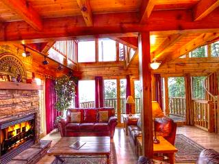 AN Incredible View~WIFI~3 Master Suite~Pool~Luxury - Gatlinburg vacation rentals