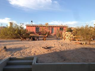 Artistic, Cool & Comfy Cabin Rental in Joshua Tree - Joshua Tree vacation rentals