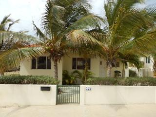 Cozy 3 bedroom House in Savaneta - Savaneta vacation rentals