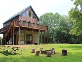 Beautiful Cabin with A/C and Television - Luray vacation rentals