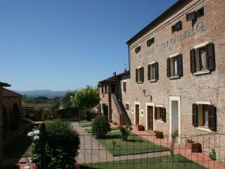 Fattoria Le Chianacce - La Mucchia. Cortona - Cortona vacation rentals