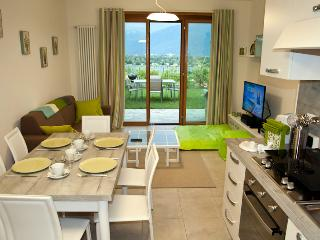 Comfortable 2 bedroom Gera Lario Apartment with Washing Machine - Gera Lario vacation rentals