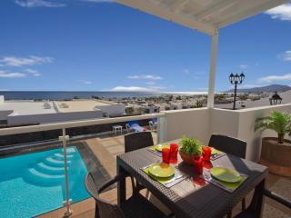 Casa Los Delfines/Okinawa Fantastic 3 bed villa - Puerto Del Carmen vacation rentals