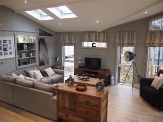 Norfolk Park, G33, Signature Range, Pathfinder Glass House - North Walsham vacation rentals