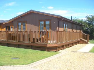 2 Bedroom Luxury Lodge at Lazy Otter - Ely vacation rentals