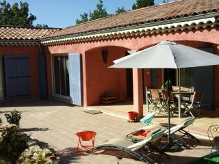 Nice Villa with Internet Access and Housekeeping Included - Malataverne vacation rentals
