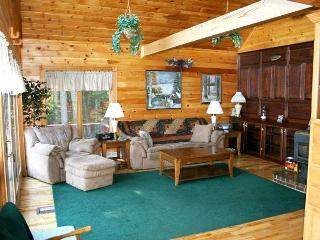 Beautiful Private Lakefront Chalet - Hartland vacation rentals