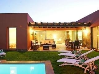 Comfortable House with Internet Access and Dishwasher - Maspalomas vacation rentals