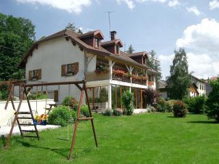 Gîte du Jura avec sauna, classé 3 épis. (gîte n°1804 aux gîtes de France) - Foncine-le-Haut vacation rentals