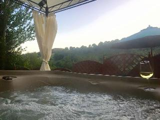 Taff Merthyr Lodge with Hot tub nr Cardiff 399420 - Merthyr Tydfil vacation rentals