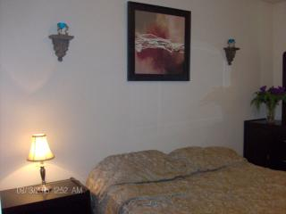 Comfortable Condo with Internet Access and Television - Edmonton vacation rentals