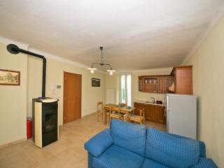 Bright 2 bedroom Ormea Apartment with Stove - Ormea vacation rentals