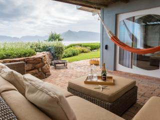 Bright 4 bedroom Villa in Kommetjie with DVD Player - Kommetjie vacation rentals
