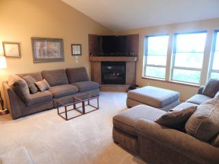Dogwood House- A luxury home in Downtown Dundee - Dundee vacation rentals
