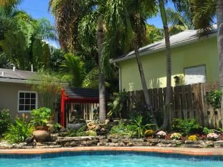 Pool Cottage Vacation Rental - 1 Bedroom - Fort Lauderdale vacation rentals