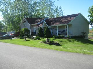 4 bedroom House with Deck in Grand Pre - Grand Pre vacation rentals