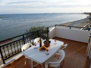 Sea View Apartment, 1 bedroom Free Wifi - Oroklini vacation rentals