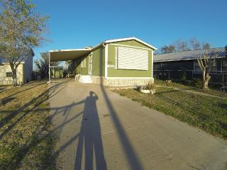 "Falcon Lake ""Bassmans Lodging"" Zapata, Texas - Zapata vacation rentals"