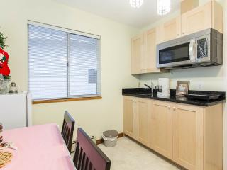 Convnient brand new 2nd floor sunny spacious suite - Vancouver vacation rentals