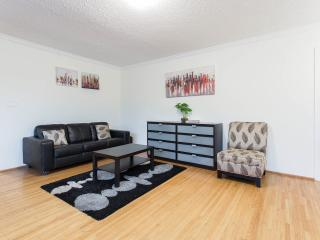 Charming spacious 4BR suite - Vancouver vacation rentals