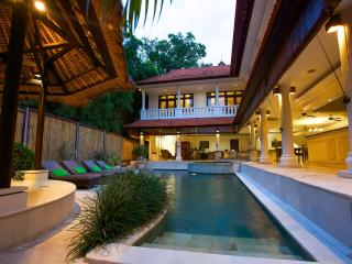 Affordable 4 BR Pool Villa in Double Six, 300m to beach shop & restaurant - Seminyak vacation rentals