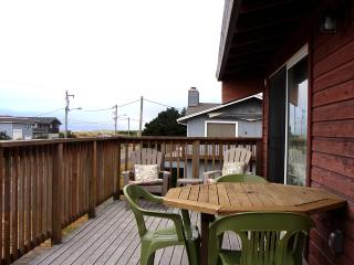 Charming House with Internet Access and Television - Rockaway Beach vacation rentals