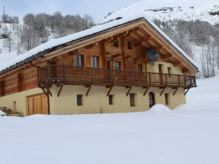 Charming 5 bedroom Hauteluce Gite with Internet Access - Hauteluce vacation rentals