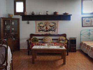 Bright 1 bedroom Lefokastro House with Internet Access - Lefokastro vacation rentals