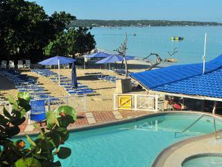 Amazing beach location, 1 bedroom suite (NTH) - Negril vacation rentals