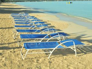 Gorgeous beach location, 2 bedroom suite (NTH) - Negril vacation rentals