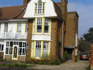 Miramarguesthouse Hunstanton ,close to town centre - Hunstanton vacation rentals