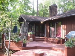 3400 Sq. Ft., New Kitchen, 4 BR, 4 BA, Sleeps 12+ - Pinehurst vacation rentals