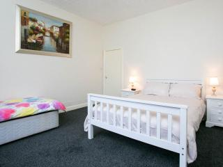 Comfortable and Cosy in Leafy South Manchester - Manchester vacation rentals