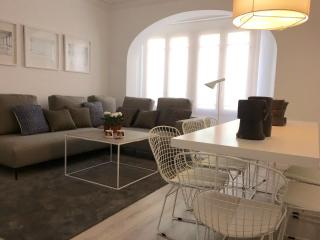 5 bedroom Condo with Washing Machine in Valencia - Valencia vacation rentals