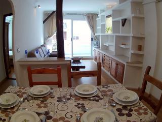 APARTAMENTO SANDRI - El Vendrell vacation rentals