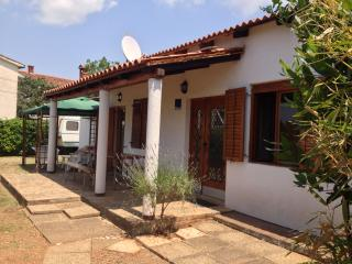 3 bedroom House with Internet Access in Valbandon - Valbandon vacation rentals