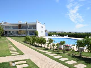 Perfect Apartment for Holidays with Swimming Pool - Olhos de Agua vacation rentals