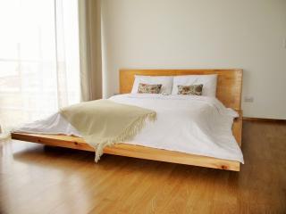 5 CedarCats Short Stay Apartments - San Pedro vacation rentals