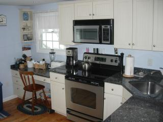 Wonderful House with Dishwasher and Refrigerator - West Chatham vacation rentals