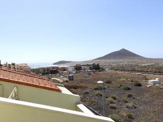 Nice 3 bedroom Duplex los Patios in el Medano - El Medano vacation rentals