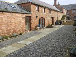 TOM CROFT terraced, working farm, parking, shared garden, in Carlisle, Ref 933727 - Carlisle vacation rentals